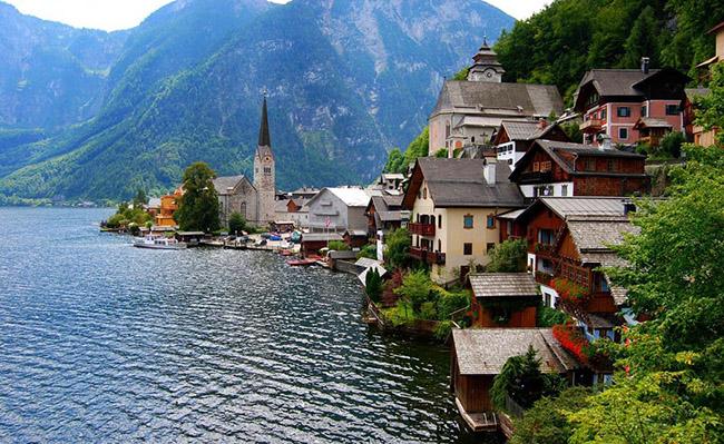 """Vẻ đẹp """"thanh bình"""" của 5 ngôi làng đẹp nhấtchâu Âu"""