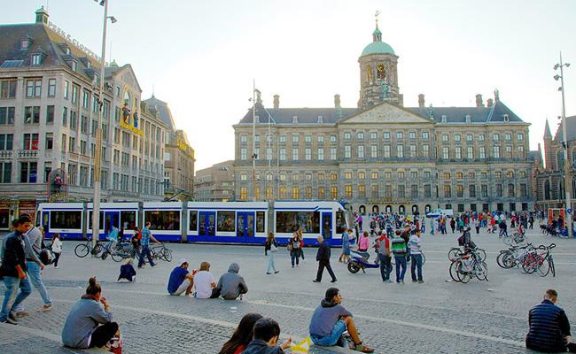 Những địa điểm du lịch tuyệt đẹp ở Amsterdam bạn không thể bỏ qua
