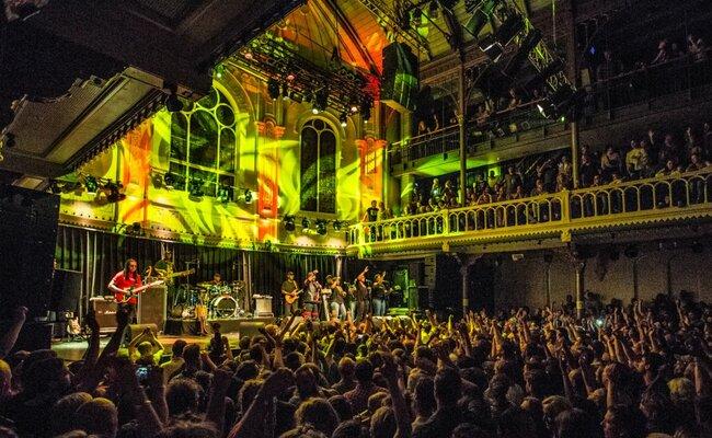 địa điểm du lịch ở amsterdam - hộp đêm paradiso