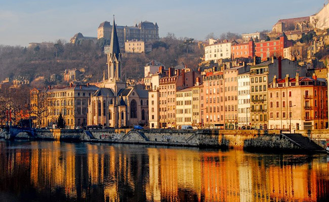 Kinh nghiệm du lịch Lyon giá rẻ chi tiết