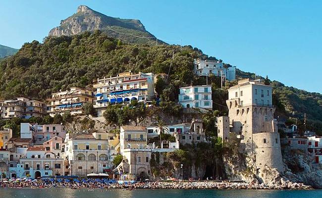 Ngất ngây với vẻ đẹp cửa bờ biển Amalfi