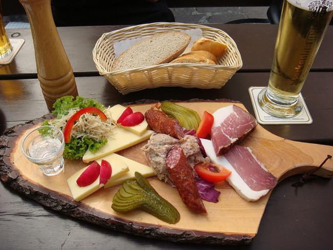 Một bữa Brettljause cơ bản