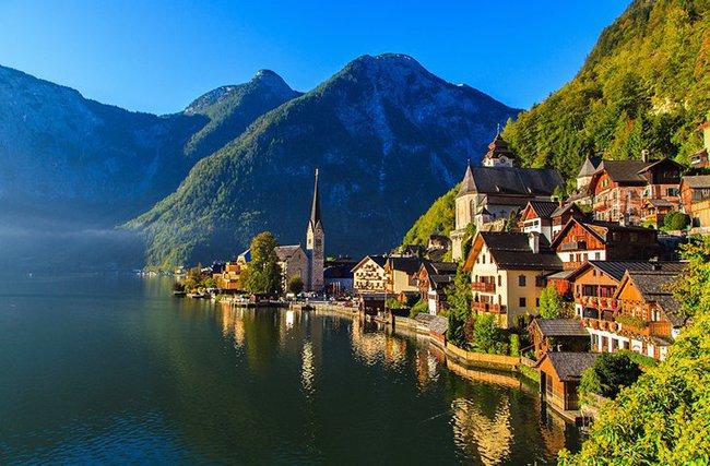 Khung cảnh nên thơ của làng cổ Hallstatt
