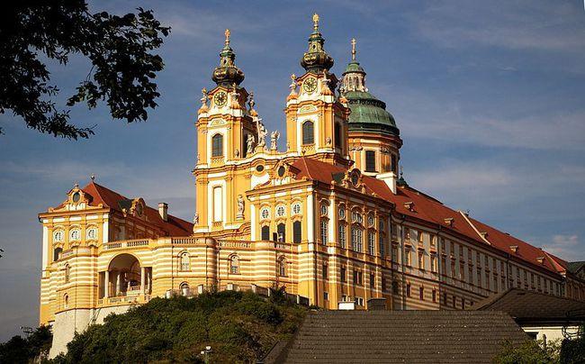 Cẩm nang du lịch Áo đầy đủ chi tiết cho người lần đầu ghé thăm