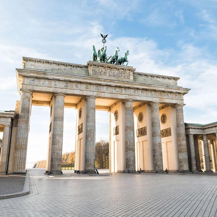 Cổng thành Brandenburg biểu tượng hào hùng của nước Đức