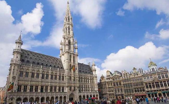 Quảng trường Grand Place - địa điểm du lịch ở Brussels