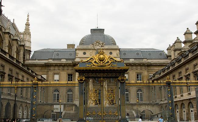 Palais de Justice - địa điểm du lịch ở Brussels