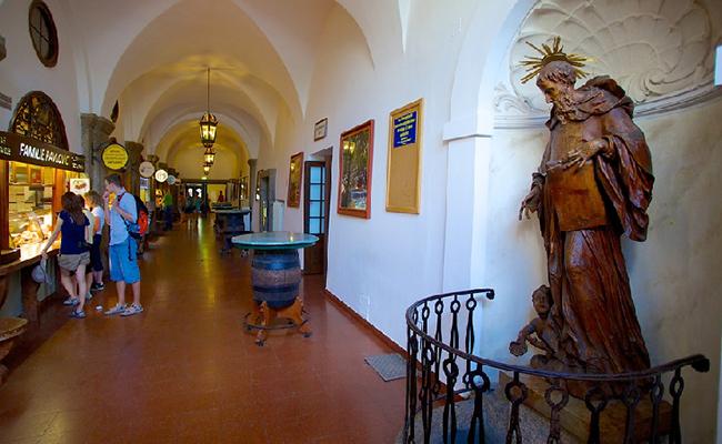 Nhà ủ bia Augustiner - điểm du lịch ở Salzburg