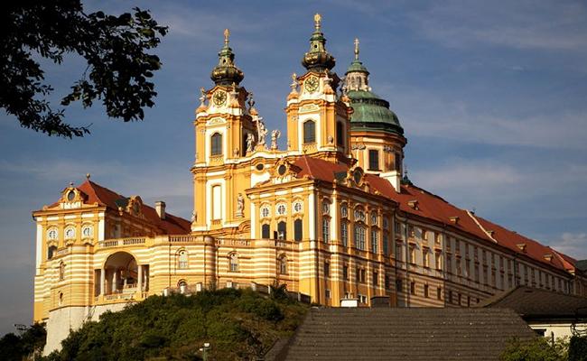 Tu viện Melk Abbey