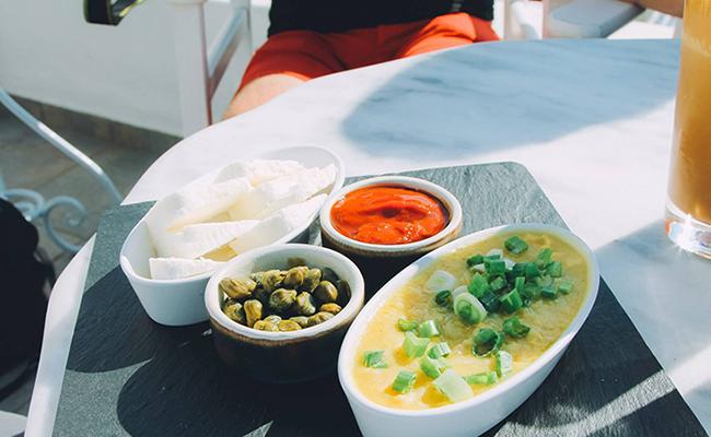 Những món ăn ngon, đặc sản nổi tiếng ở Santorini