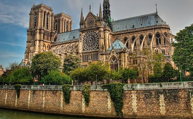 Nhà thờ Notre Dame ở Strasbourg