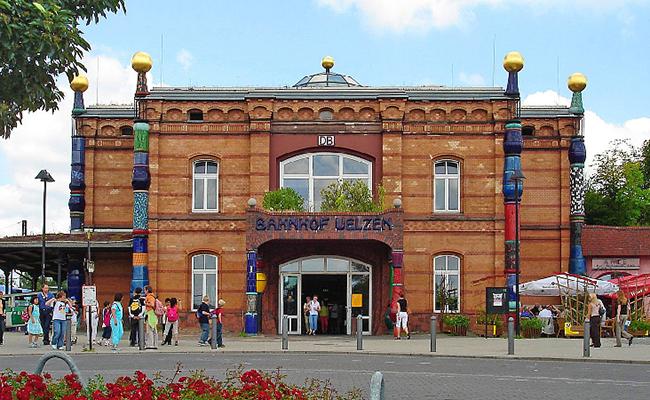 Nhà Hundertwasser