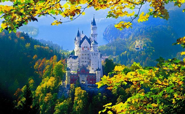 Lâu đài Neuschwanstein thiên đường cổ tích