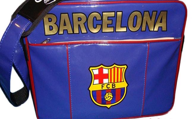 Túi xách tay in chữ Barcelona