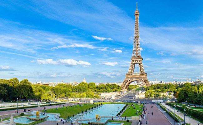 Tháp Eiffel niềm từ hào của người dân nước Pháp