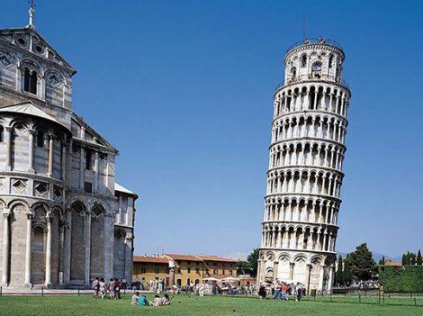 Tháp nghiêng Pisa - Kỳ quan lạ của thế giới