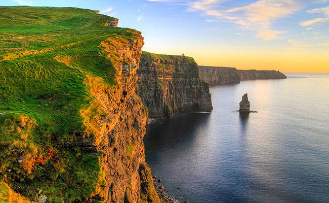 Vách đá Moher một nơi bạn không thể bỏ qua khi tới Ireland