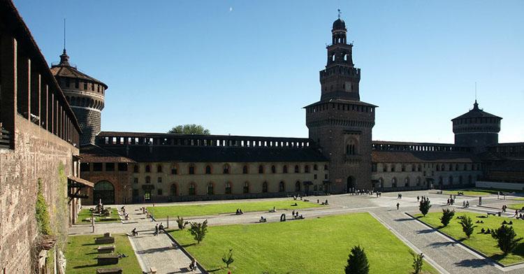 Khám phá lâu đài Sforzesco
