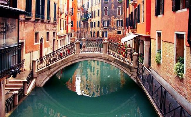 Thưởng ngoạn cầu Than Thở ở Venice
