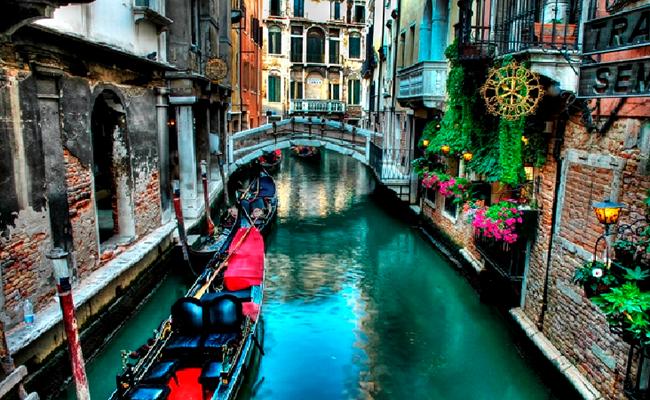 Thưởng ngoạn cầu than thở ở VeniceThưởng ngoạn cầu than thở ở Venice