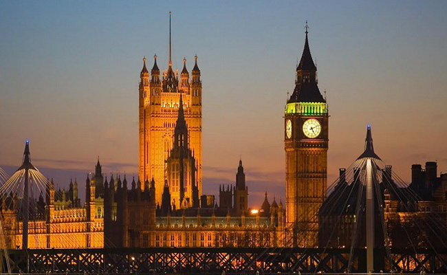 Tháp đồng hồ Big Ben biểu tượng của đất nước Anh