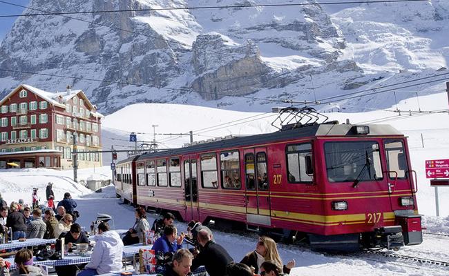 Kinh nghiệm đi lại bằng tàu khi du lịch Thụy Sĩ