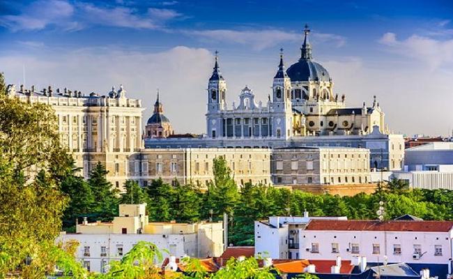 Kinh nghiệm du lịch bụi Madrid đầy đủ chi tiết