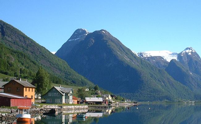 Ngắm vẻ quyến rũ đến nao lòng của vịnh Sognefjord - Vịnh hẹp lớn nhất Na Uy