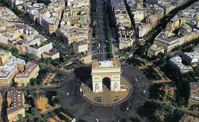 Khải Hoàn Môn biểu tượng của thành phố Paris