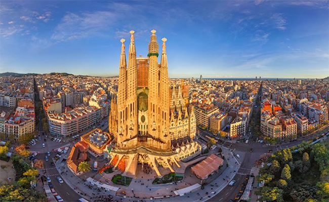 Nhà thờ Sagrada Familia kiệt tác nghệ thuật của Barcelona
