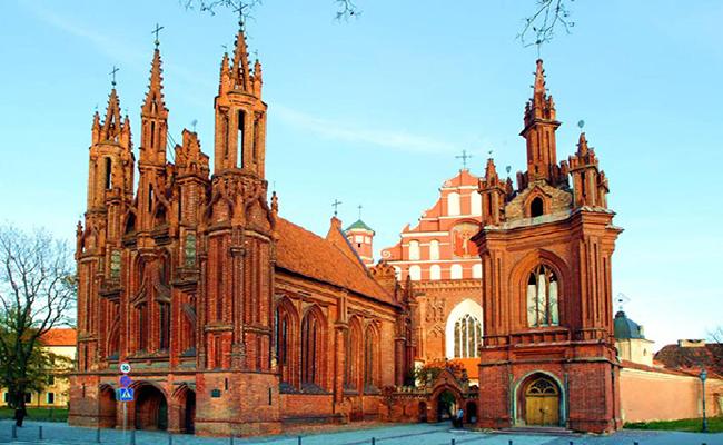 Du lịch Vilnius khám phá thủ đô văn hóa Châu Âu