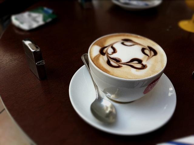 ca-phe-cappuccino-du-lich-chau-au