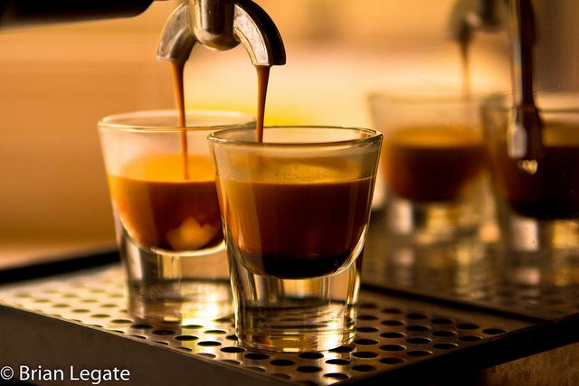 ca-phe-espresso-du-lich-chau-au