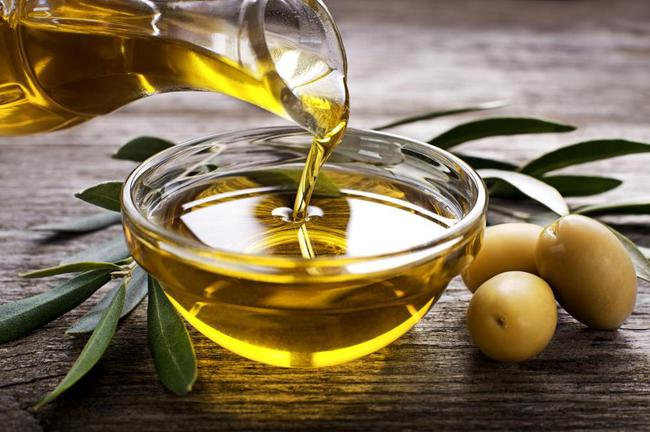 Dầu oliu, thứ nguyên liệu không thể thiếu trên mỗi bàn ăn ở Florence