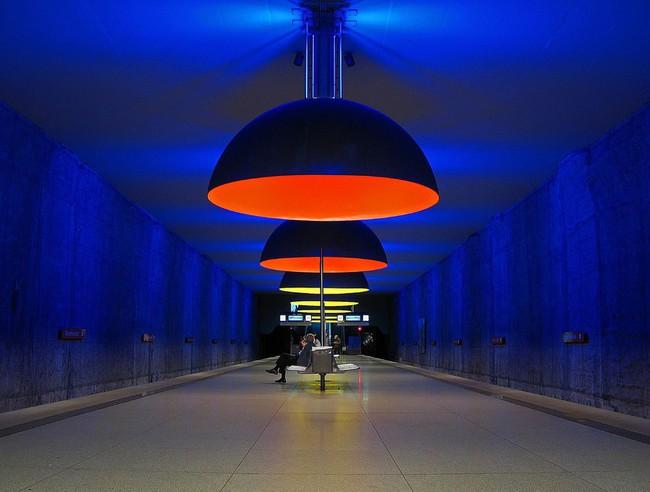 du lịch Munich - bến tàu điện ngầm