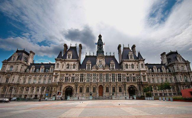 du lịch Paris vào một ngày mưa