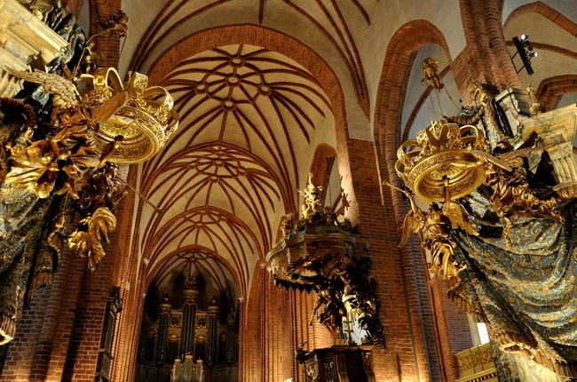 du lịch Stockholm - nhà thờ Stockholm Storkyrkan