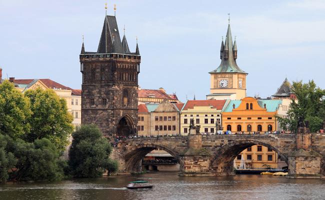 địa điểm du lịch Prague - cầu tháp phố cổ