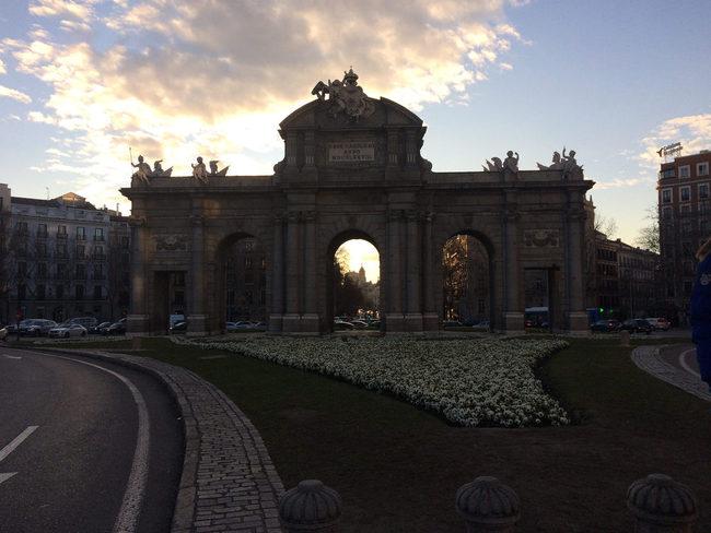 du lịch Madrid - Puerta de Acalá