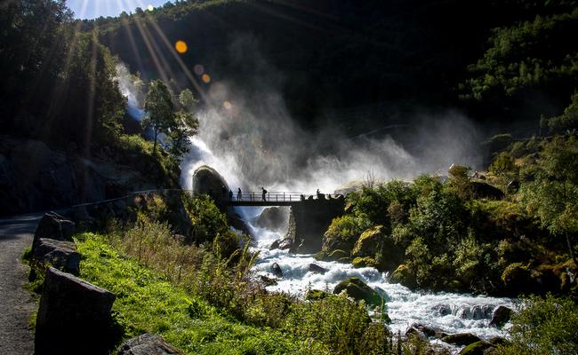 tour du lịch Bắc Âu - sông băng Briksdal