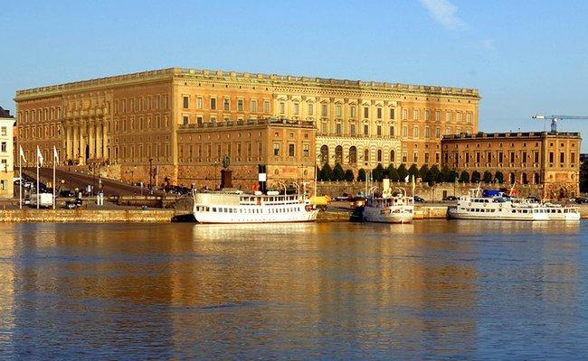 tour du lịch Bắc Âu - cung điện Hoàng Gia