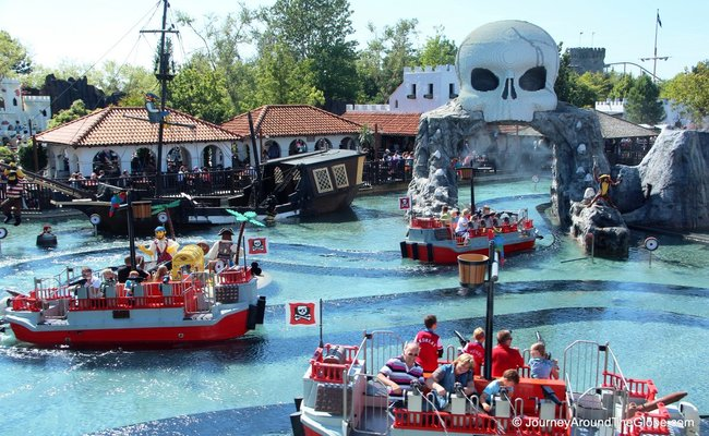 Đan Mạch nổi tiếng về điều gì - Legoland