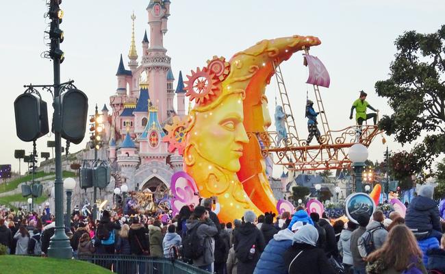 disneyland paris - buổi diễu hành