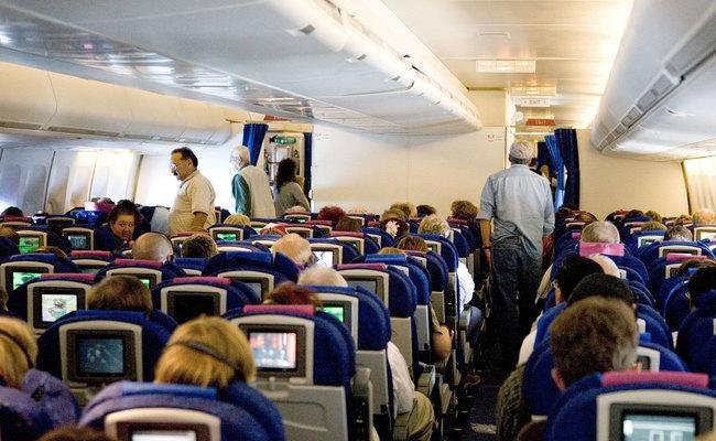 kinh nghiệm đi máy bay quốc tế - vận động
