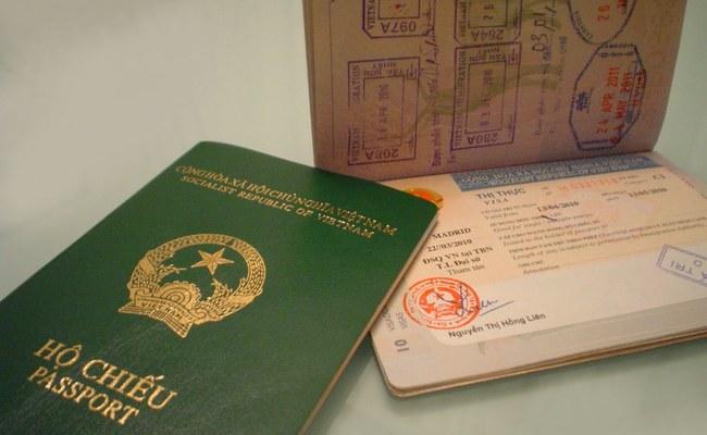 kinh nghiệm du lịch châu âu tự túc - giấy tờ tùy thân