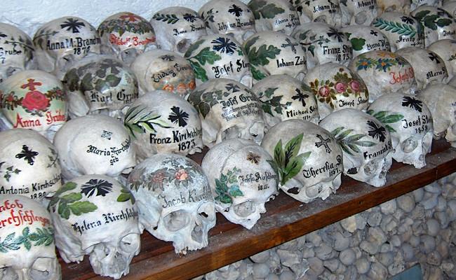 kinh nghiệm du lịch Hallstatt - nhà lưu trữ xương