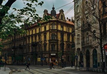 Nên mua quà lưu niệm gì sau chuyến du lịch Ba Lan tự túc?