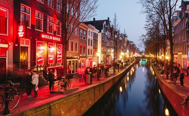 thành phố Amsterdam - phố đèn đỏ