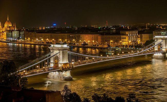 thành phó Budapest - cầu Széchenyi Chain Bridge