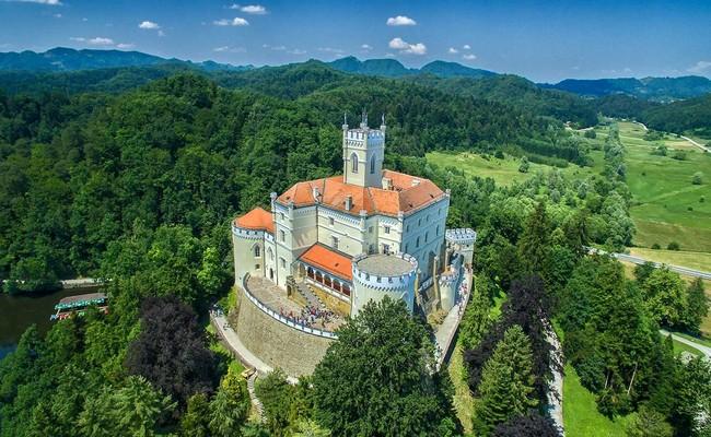 du lịch croatia tự túc - lâu đài Trakošćan